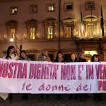 donne in piazza